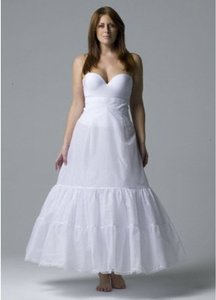 Women's Medium Fullness Crinoline