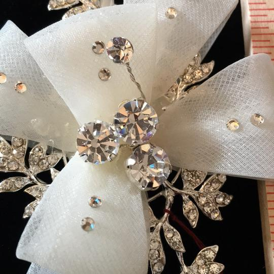 J.L. Johnson Bridals Ivory/Silver Hair Accessory Image 1