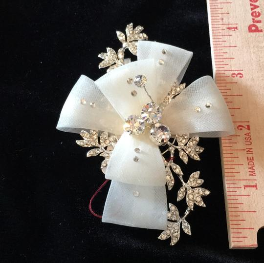 J.L. Johnson Bridals Ivory/Silver Hair Accessory Image 3