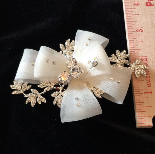 J.L. Johnson Bridals Ivory/Silver Hair Accessory Image 4