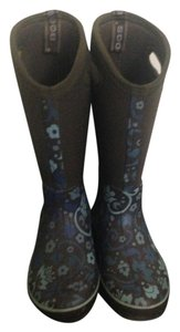 Bogs Winter Corsage Pattern Blue, Brown, White Boots
