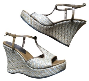 Coconuts by Matisse Natural Wedges