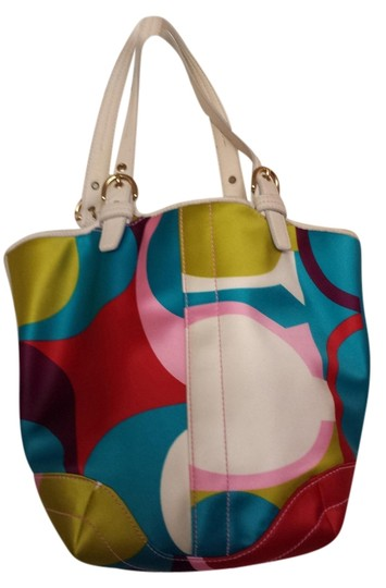 Preload https://item2.tradesy.com/images/coach-limited-edition-fs2164-b4mc-sig-scarf-prt-bra-multicolor-canvas-tote-1080946-0-0.jpg?width=440&height=440