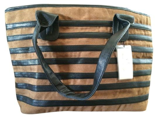 Preload https://item4.tradesy.com/images/victoria-leland-designs-shoulder-bag-black-and-tan-1081043-0-0.jpg?width=440&height=440