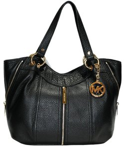 Michael Kors Moxley Leather Zipper Mk Tote In Black