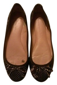Banana Republic Comfortable animal print Flats