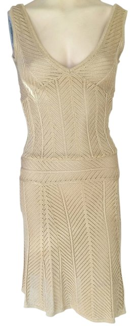 Preload https://img-static.tradesy.com/item/10811893/gold-lined-flared-sleeveless-above-knee-cocktail-dress-size-6-s-0-1-650-650.jpg