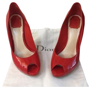 Dior Fire red Pumps