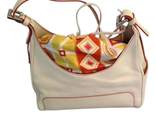 Preload https://img-static.tradesy.com/item/10813018/hogan-ivory-with-attatched-printed-pouch-leather-hobo-bag-0-1-540-540.jpg