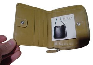 Coach $225, NEW AUTHENTIC COACH CLASSIC LEGACY LEATHER SIGNATURE ZIP BIFOLD WALLET