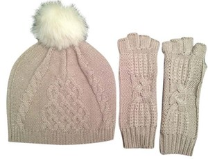 UGG Australia Ugg Australia Classic Cable Beanie and Fingerless Glove Set