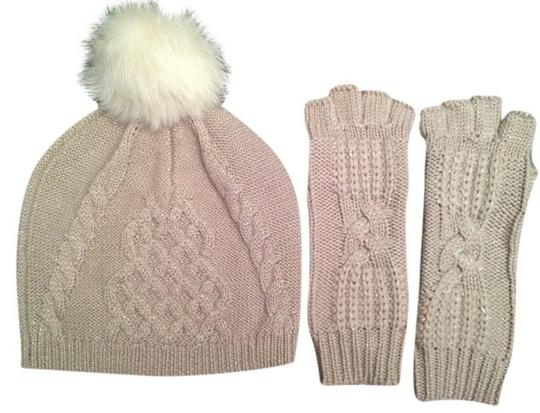 Preload https://img-static.tradesy.com/item/10832953/ugg-australia-moonlight-multi-classic-cable-beanie-and-fingerless-glove-set-hat-0-1-540-540.jpg