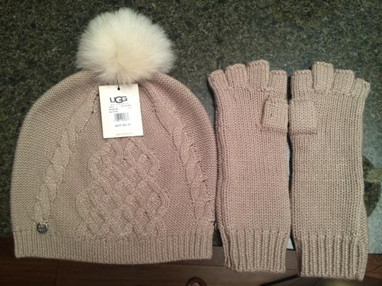 UGG Australia Ugg Australia Classic Cable Beanie and Fingerless Glove Set Image 1