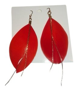 Icing Red Feather Earring with Gold Chain