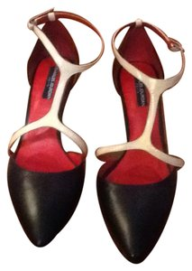 Charles Jourdan Blac Pumps