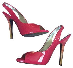 Jessica Simpson Fuchsia Pumps