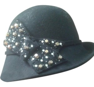 something special hat with bow
