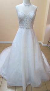 Alfred Angelo Ivory / Silver Tulle 262 Modern Wedding Dress Size 10 (M)