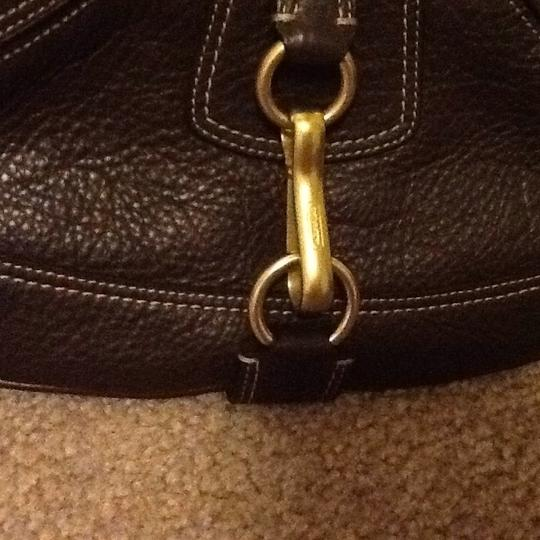 Coach Dark Strap Gold Hardware Zipped Closure Leather Satchel in chocolate brown Image 4