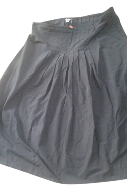 Preload https://img-static.tradesy.com/item/10837387/black-made-in-italy-a-line-knee-length-skirt-size-12-l-32-33-0-1-650-650.jpg