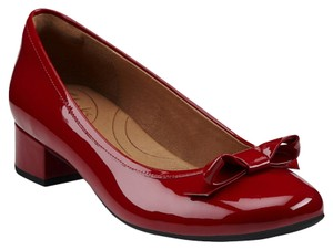 Clarks red Pumps