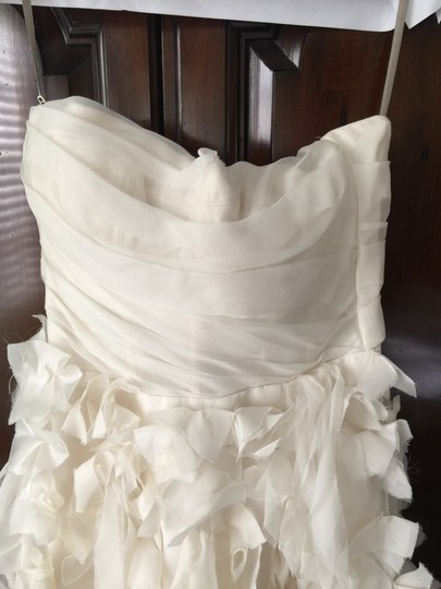 Monique Lhuillier Shades Of Ivory Silk Chiffon Bouquet Sexy Wedding Dress Size 4 (S) Image 4