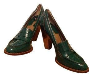 Dolce & Gabbana Green Pumps