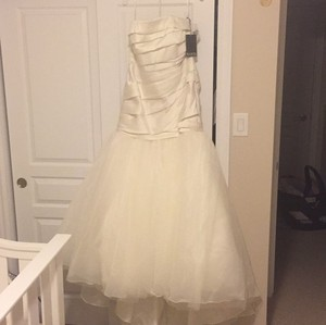 Vera Wang Vw351169 Wedding Dress