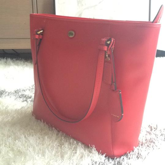 Coach Spring Summer Casual Tote in Red Image 1