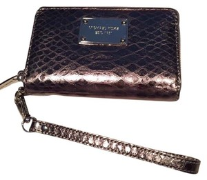 Michael Kors Tech wallet wristlet