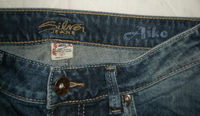 Silver Jeans Co. Excellent/Like New Condition * 5 Pocket Style * Zip Fly * Cotton/Spandex * Dark Desructed Wash * Random Wear Detail * * Flare Leg Jeans-Distressed