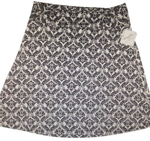 Skirt Black & White
