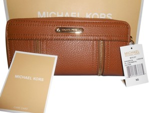 Michael Kors Michael Kors Luggage Leather Moxley Zip Continental Wallet + GIFT