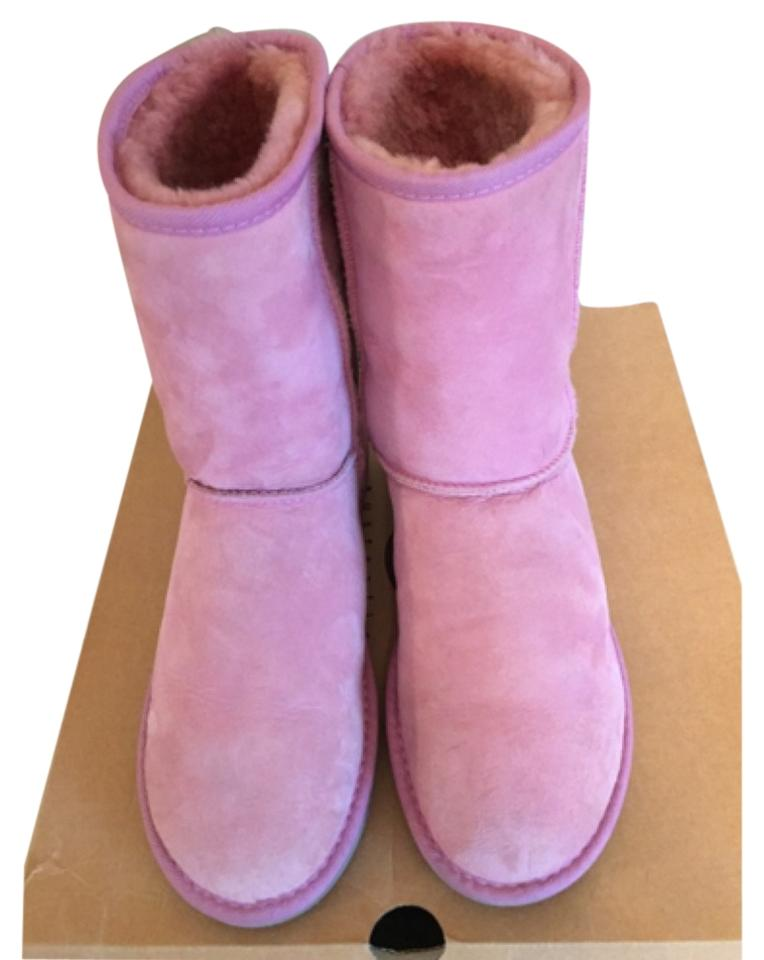 9982e45848f UGG Australia Orchid (Pink - See Photos) Classic Short Women's 5825  Boots/Booties Size US 9 Regular (M, B) 46% off retail