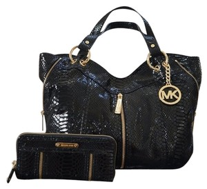 Michael Kors Embossed Leather Moxley Leather Zipper Shoulder Wallet Continental Set Tote in Black