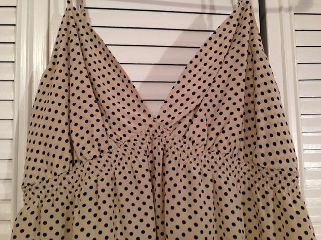 Express Babydoll Date Summer Spring Classic Trendy Fashion Style Top Beige With Black Polka Dots