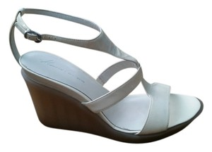 Kenneth Cole White Wedges