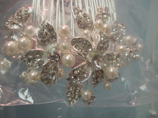 Silver Stunning Austrian Crystals Pearls Comb Hair Accessory