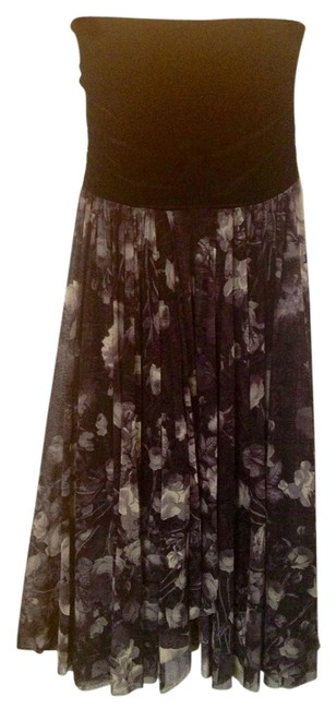 Preload https://item3.tradesy.com/images/black-charcoal-white-maxi-skirt-size-4-s-27-1086062-0-0.jpg?width=400&height=650