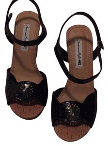 American Eagle Outfitters Black patent Wedges