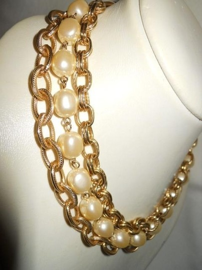 unknown Faux pearl triple chain Image 1