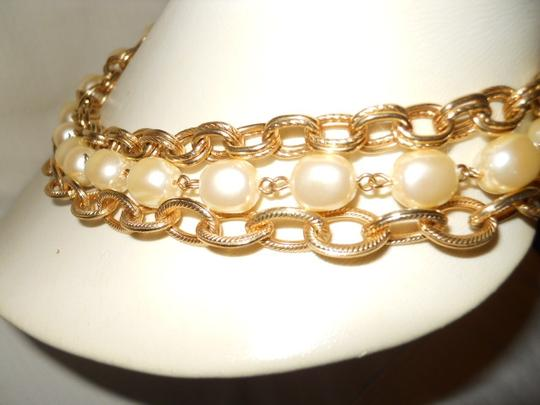 unknown Faux pearl triple chain Image 3
