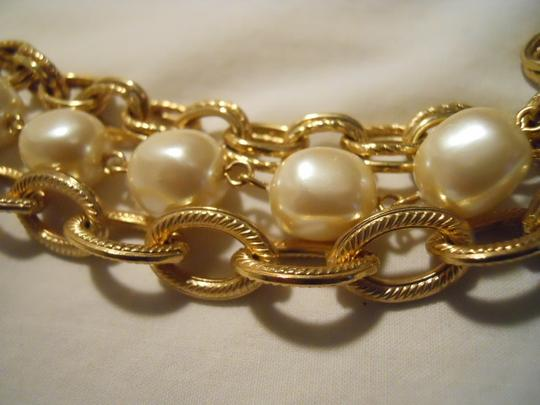 unknown Faux pearl triple chain Image 4