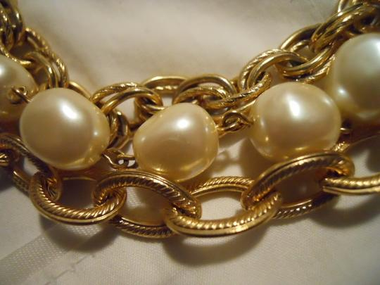 unknown Faux pearl triple chain Image 7