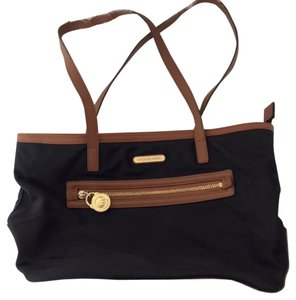 Michael Kors Tote in Black With Brown