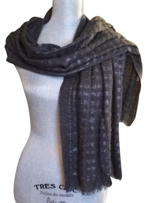 Item - Gray and Silver Metallic Scarf/Wrap