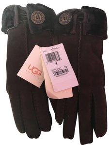 UGG Australia Beautiful chocolate color Ugg Australia gloves. Very warm. Size S