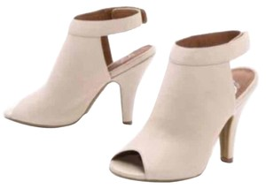 Jeffrey Campbell Cream Pumps