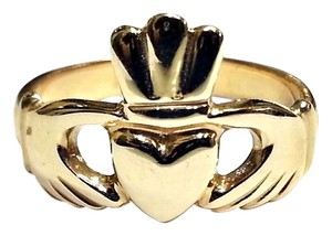 Claddagh ring in 14 Karat Yellow Gold Size 8