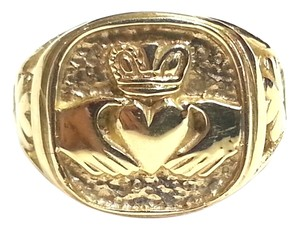 Claddagh ring in 14 Karat Yellow Gold